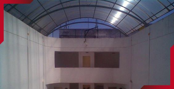 Domos de acr lico y domos de policarbonato for Techos de policarbonato para jardin